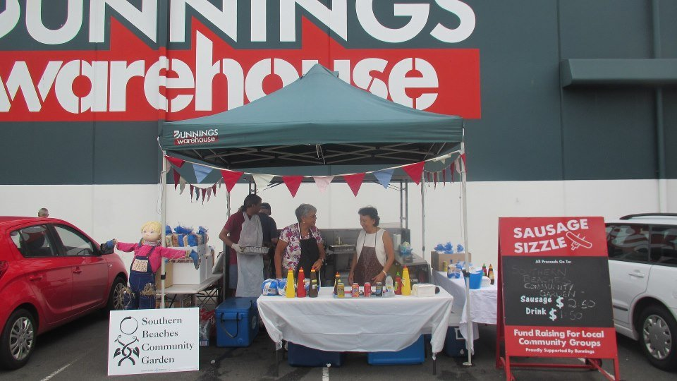 Bunnings-Sausage-Sizzle-2013